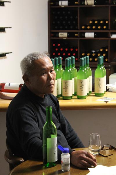 楽園葡萄酒醸造場の多芸なオジサマ